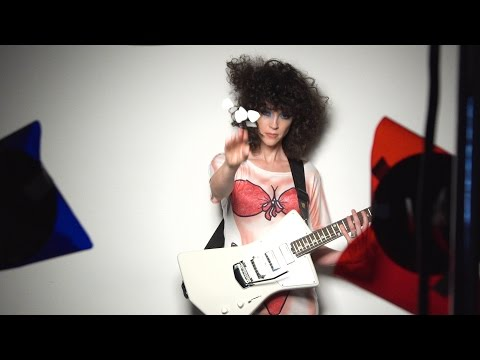 St. Vincent's Guitar World Cover Shoot - Behind The Scenes