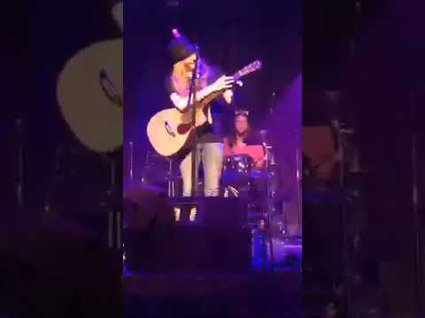 Sawyer Fredericks Park Theatre Pt1 Holland BethRajkovich 8 12 17