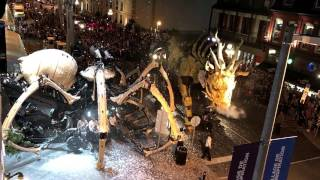 LA MACHINE OTTAWA. DRAGON MEETS GIANT SPIDER ON STREETS IN OTTAWA 2017 CANADA