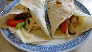 Chicken breast fried mix vegetables with chinese wrap/ mandarin pancake 雞胸肉炒雜菜跟薄餅