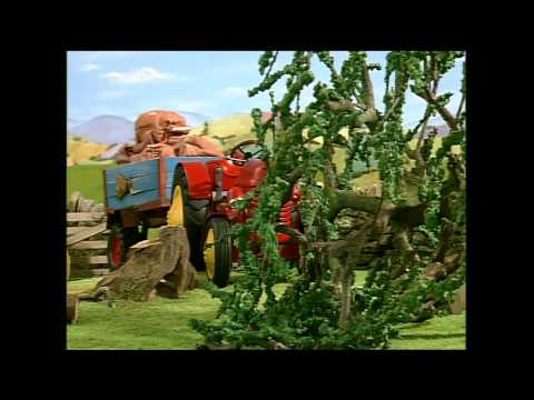 Little Red Tractor 30 minute compilation