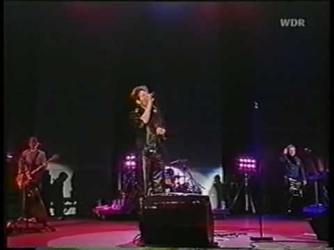 a-ha - Mary Ellen Makes The Moment Count - Rock am Ring 2001 (7/16)
