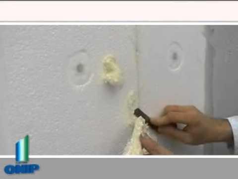 Tesa calfeutrer mousse isolante portes et fen tres doovi for Mousse isolation fenetre
