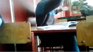 Прикол на уроке (видио снимают скрытой камерой)