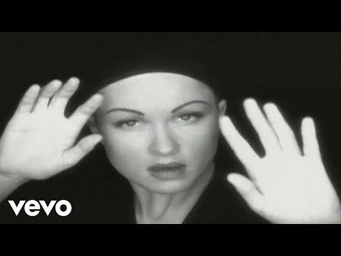Смотреть клип Cyndi Lauper - The World Is Stone