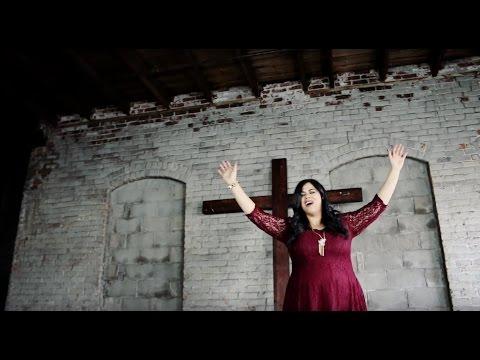 Deborah Feliciano  El Color De Su Amor Video Oficial