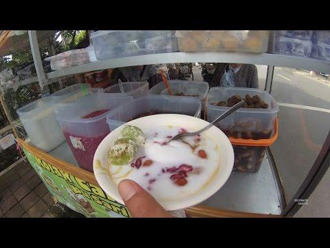Greater Jakarta Street Food 1399 Part.1 Kolak Campur Ibu Sari Jalan Karawitan Bandung