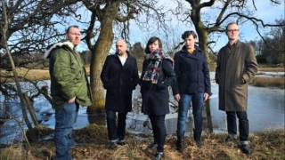 "Camera Obscura performing a beautiful cover of 10cc's 1975 hit ""I'm..."