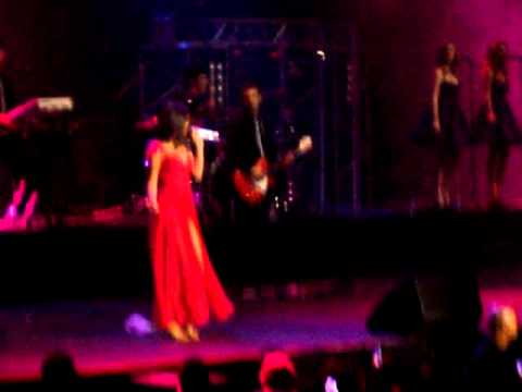 Naturally / Selena Gomez & The Scene live in Chile 30-01-2012