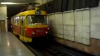 Tramvaj T3 jede v metru! - tn.cz