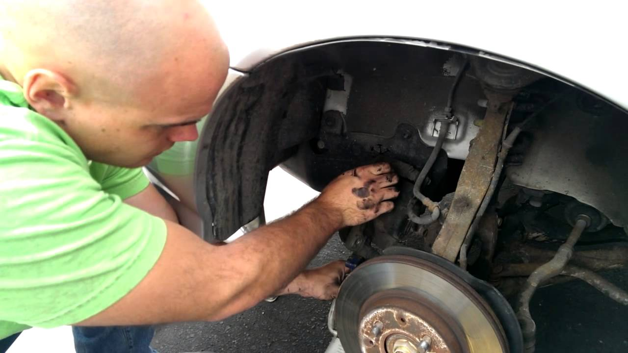 How To Change Brake Pads And Rotors On Honda Civic Youtube
