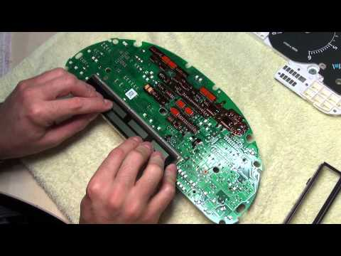 Range Rover Silver track ribbon cable pixel repair on L322 Instrument Cluster speedometer