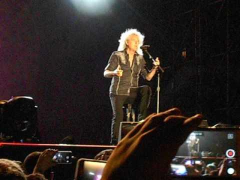 Queen + Adam Lambert - Selfie moment di Brian May - Hydrogen Festival (Italy) - 25/06/2016