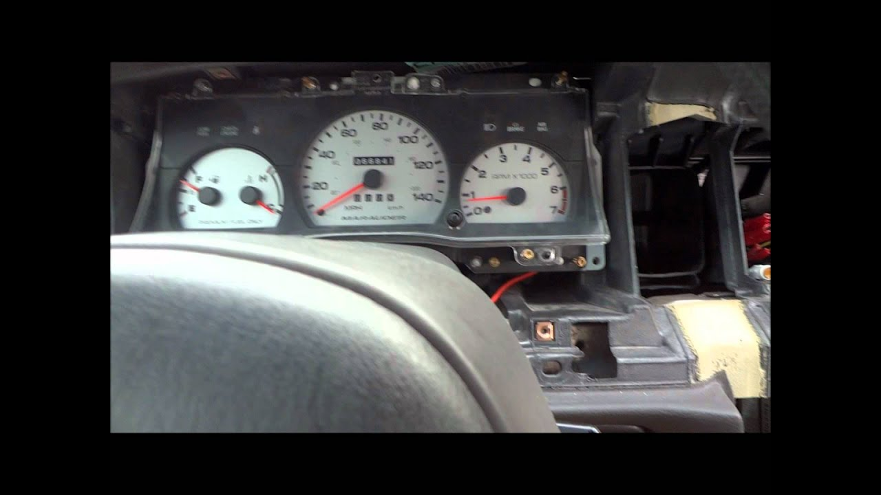 Marauder Cluster In My Crown Vic 2004 Youtube