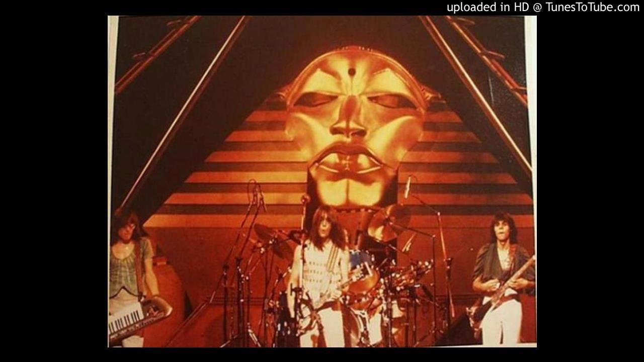 UTOPIA LIVE 1977 - COMMUNION WITH THE SUN - YouTube
