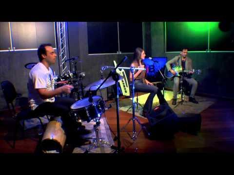 Lado B :: Tear us apart INXS - Malbec Trio