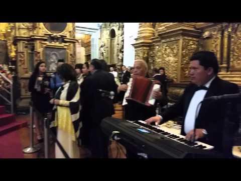 Angie Durrell 5 pruebas de sonido para tocar frente a Papa Francisco