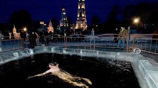 Русскому не слабо. Крещенские купания в Москве