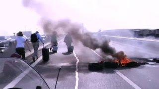 Бунт таксистов: в Париже - настоящий транспортный коллапс(, 2015-06-26T06:30:17.000Z)