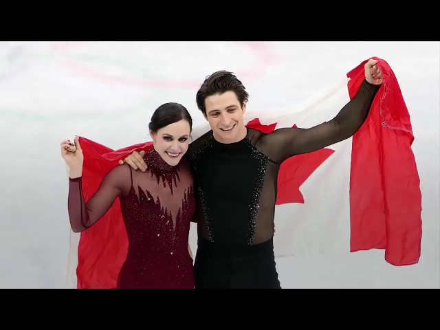 Canadian Ice dance darlings Tessa Virtue and Scott Moir will be hitting the ice for a thank you tour. (The Canadian Press)