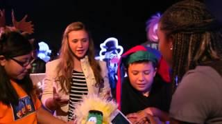 Club Penguin - Game On: Fiesta de Halloween (Noche de Brujas) Octubre 2013