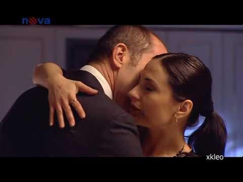 Michaela Kuklova v posteli film svetla pasaz