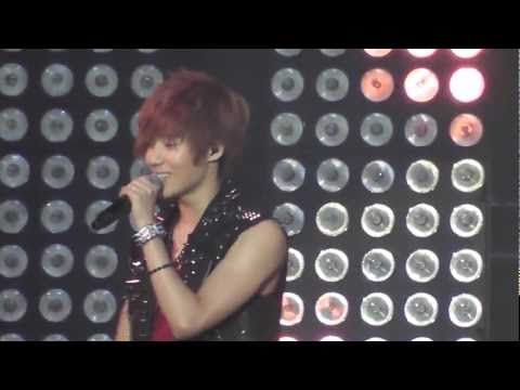 [11062011] SM TOWN LIVE in Paris - 샤이니 (SHINee) - Hello (Taemin Focus)