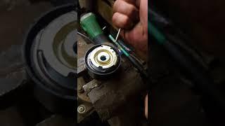 Натяжение ролика ГРМ без специального ключа гранта калина