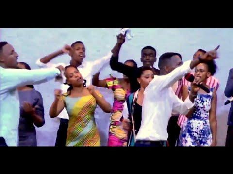 KINGDOM OF GOD Baririmba indirimbo yabo iri kunezeza benshi  IYIREKANE MWAMI isi yose ikubone🙌🏽❤️