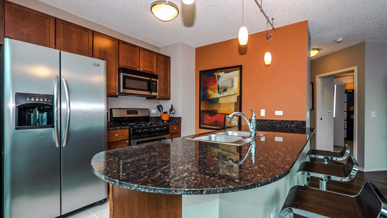 Tour A Luxury Two-bedroom Apartment At Streeter Place