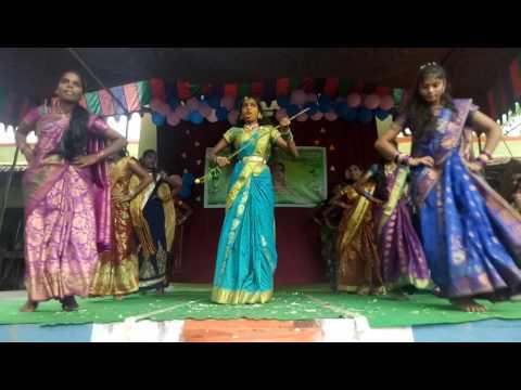 Telangan bonalu dance in zppss narayanagiri school