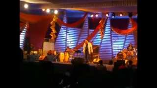 palakkad puthur live singer hariharan singing walkin in the moonlight