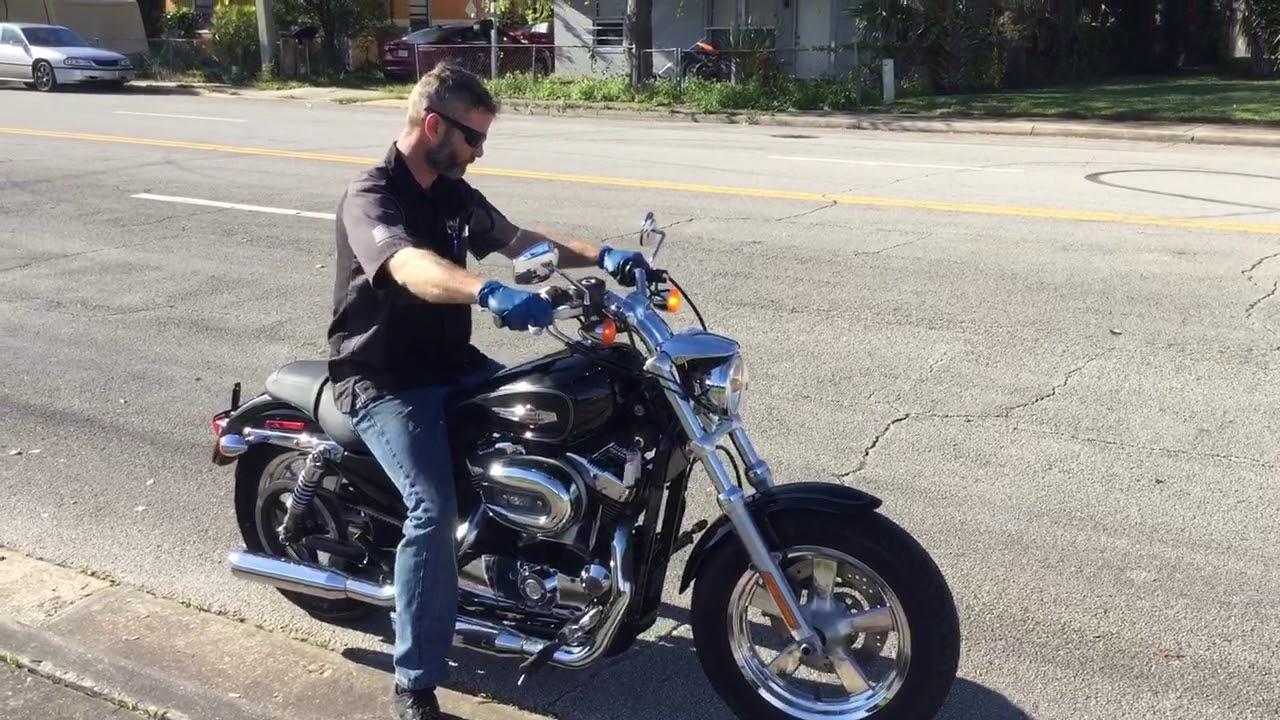2011 Harley Davidson Sportster Custom Xl1200c  Black  2528