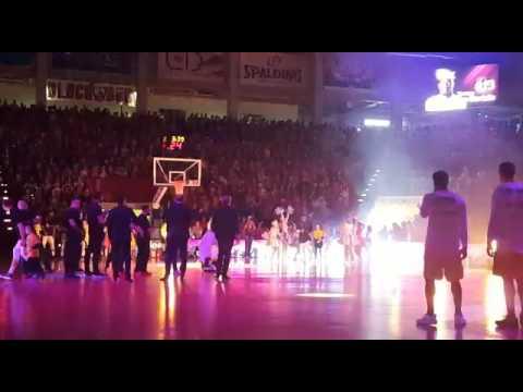 Einlauf Telekom Baskets Bonn