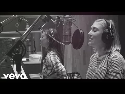 Maddie & Tae - Have Yourself A Merry Little Christmas (Official Music Video)