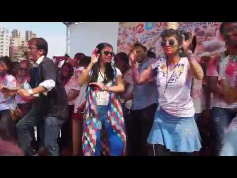 Grooving to Indian Music at Holi in Taipei Festival