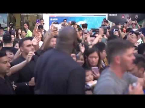 MWFC / L.I.F.E. : Partners SHAQUILLE O'NEAL & MIKE MILLER Support in Hong Kong