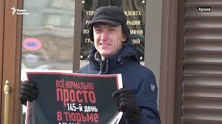 """""""Полицейская машина, защищая Путина, уничтожает людей"""""""