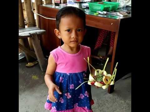 Tari puspanjali anak ( dellin )