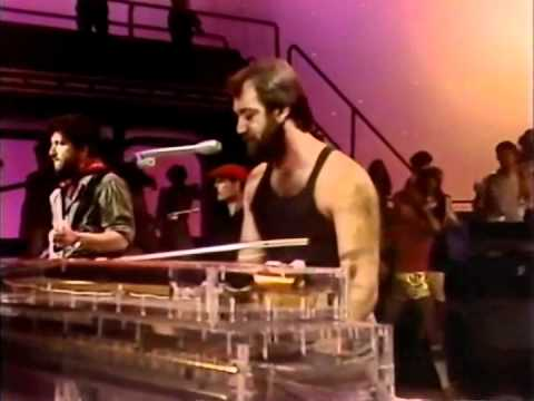 Michael Sembello - Maniac (Live American Bandstand 1983).avi