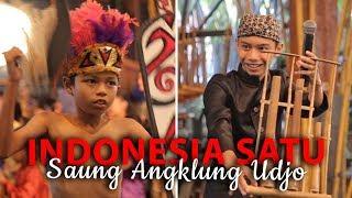 Video Saung Angklung Udjo, Indonesia Satu dalam Harmoni | Travel download MP3, 3GP, MP4, WEBM, AVI, FLV November 2018