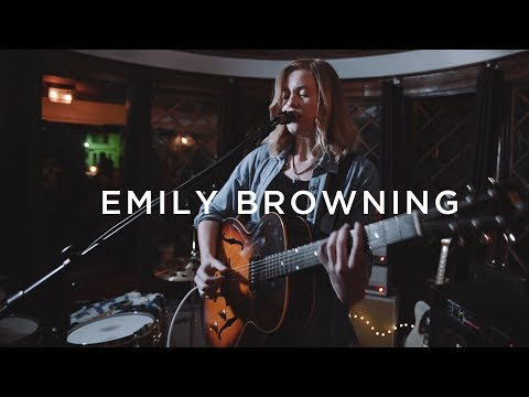 Emily C. Browning performs 'Lover'  PickUp