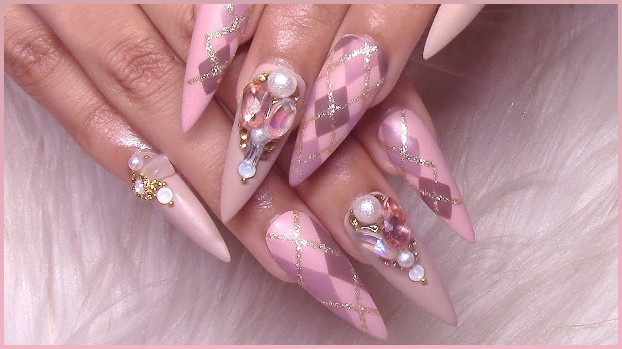 Femi's Hand Painted Argyle Stiletto Press-On Nails