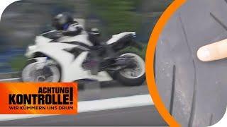 Nur 0,6mm Reifenprofil: Lässt die Polizei das Motorrad weiterfahren? | Achtung Kontrolle |kabel eins