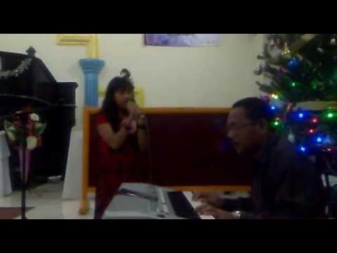 VALENTRIN SAPASURU 10 YO - Selamat Natal (Venskha Sapasuru)