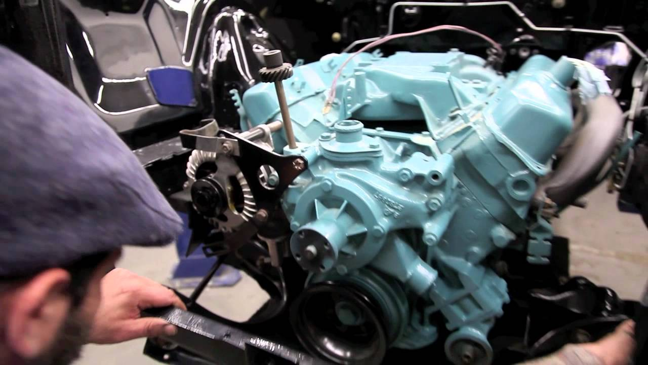 1968 Dodge Charger - 383 - 4 Sd - Motor Installation - YouTube