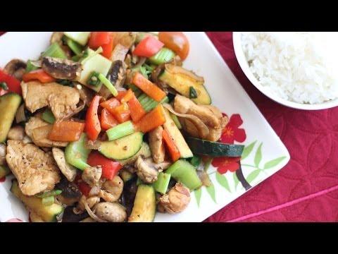 stir-fry-chicken-with-mushroom-and-vegetables-(ga-xao-nam-bi-va-ot)