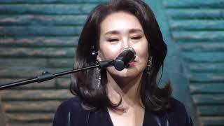 주현미(Ft.김광석 기타리스트), 비내리는고모령 & 울고넘는 박달재 @ 대전국제기타페스티벌(171014)