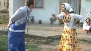 Repeat youtube video Mixha Bib Dhe Kalemi Jeta Ne Kosov Humor 2009 #1