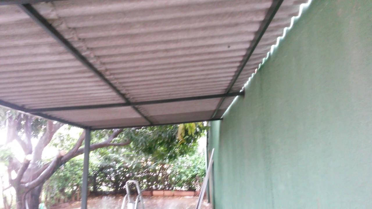 Telhado de ferro com telha de amianto